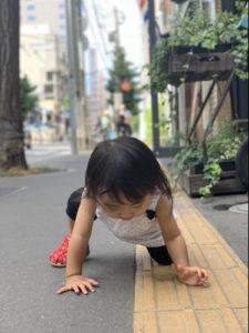 突然歩き出した1歳児